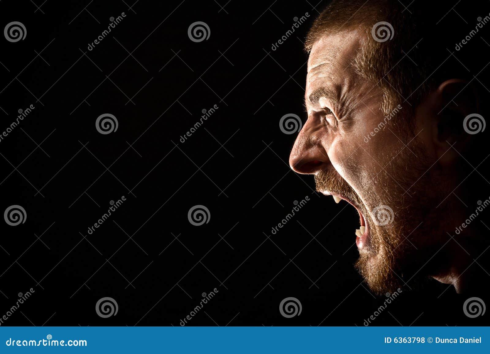 Collera - grido dell uomo arrabbiato