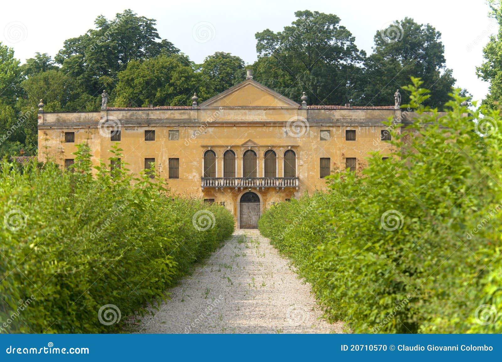 Colli Euganei (Veneto, Italy), Ancient villa