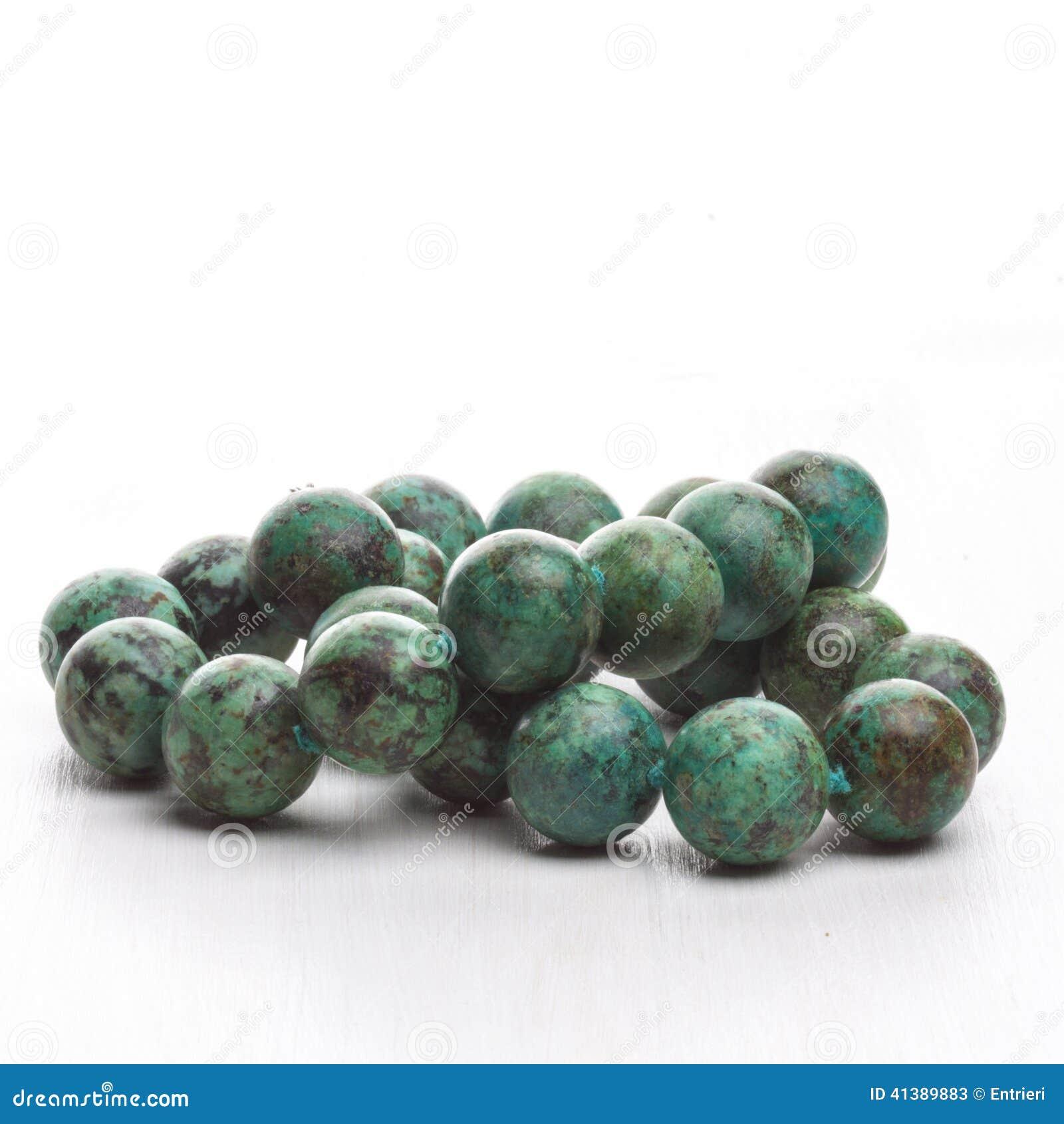 collier de pierre semi pr cieuse de vert image stock image du tr s femme 41389883. Black Bedroom Furniture Sets. Home Design Ideas