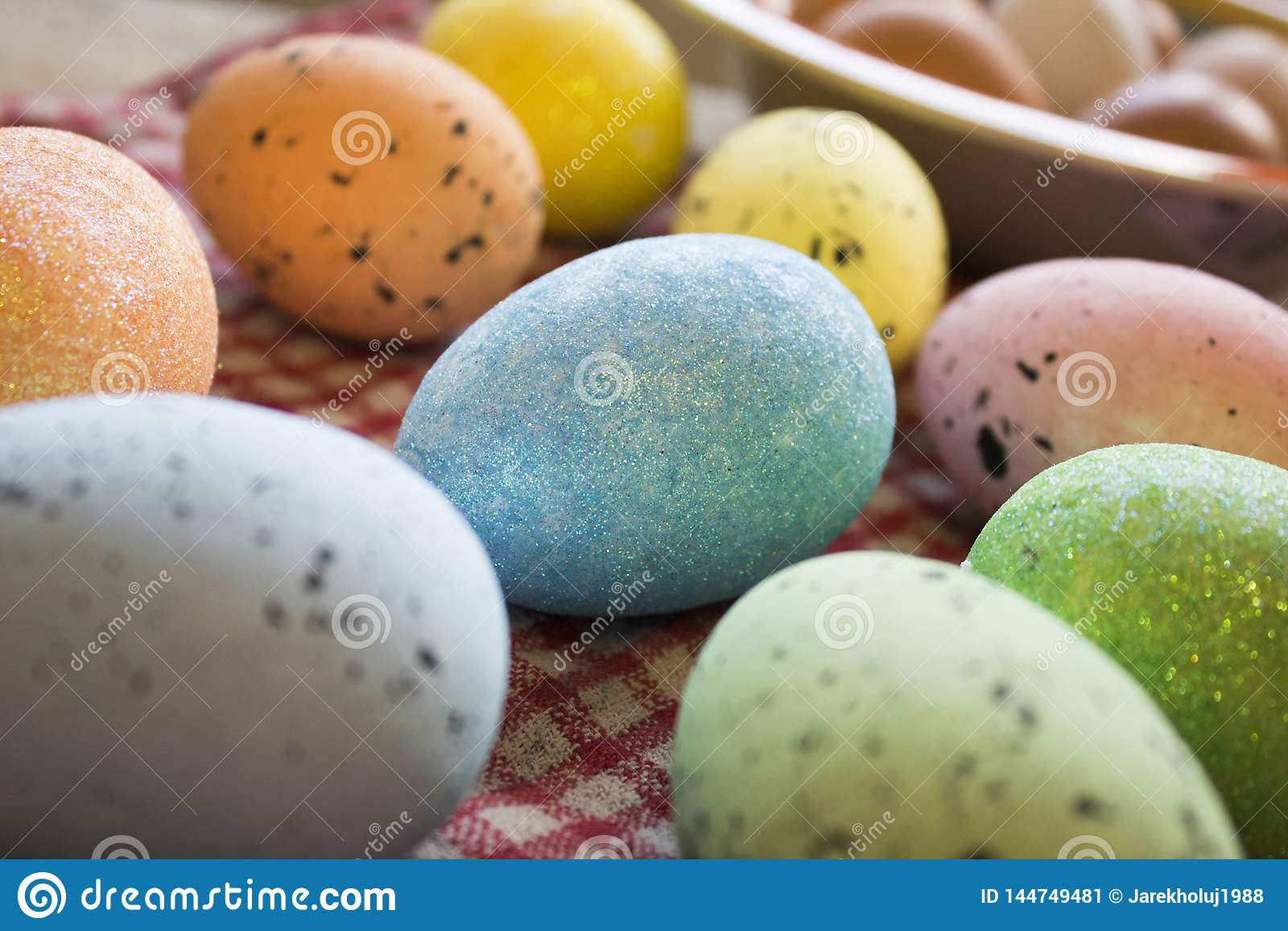 Colofrul Easter jajka czekać na zjadacza