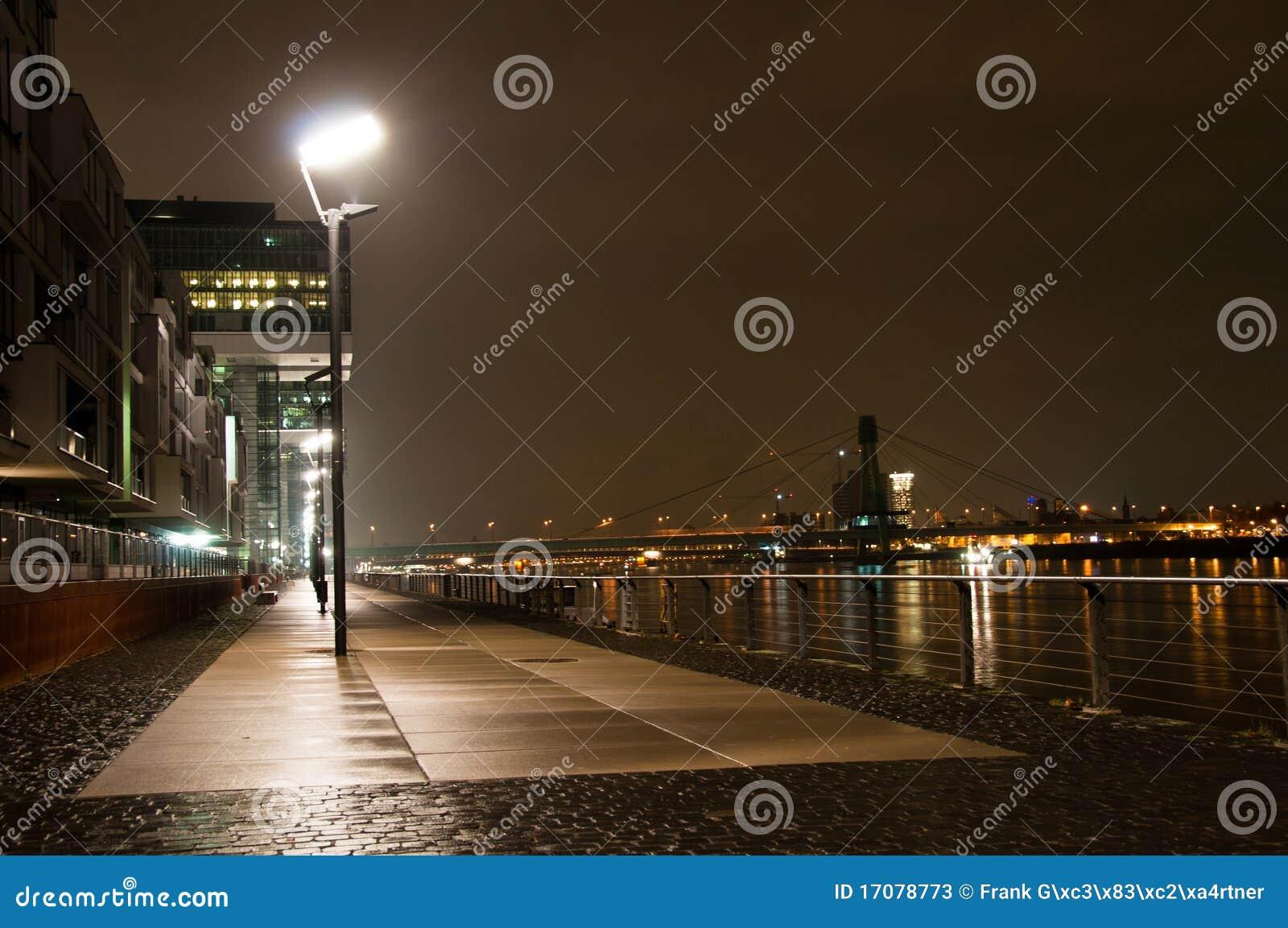 Cologne Германия rheinauhafen