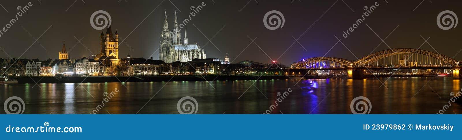 Cologne noc panoramy Rhine rzeka