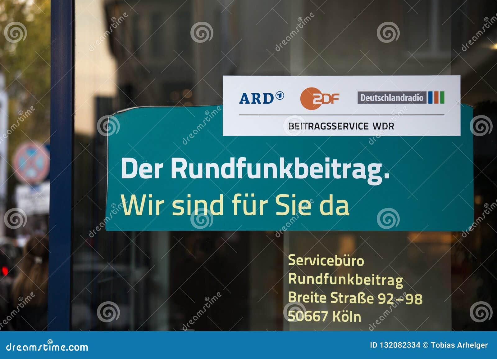 Colonia, Renania settentrionale-Vestfalia/Germania - 17 10 18: il rundfunkbeitrag tedesco delle tasse della TV firma dentro Colon