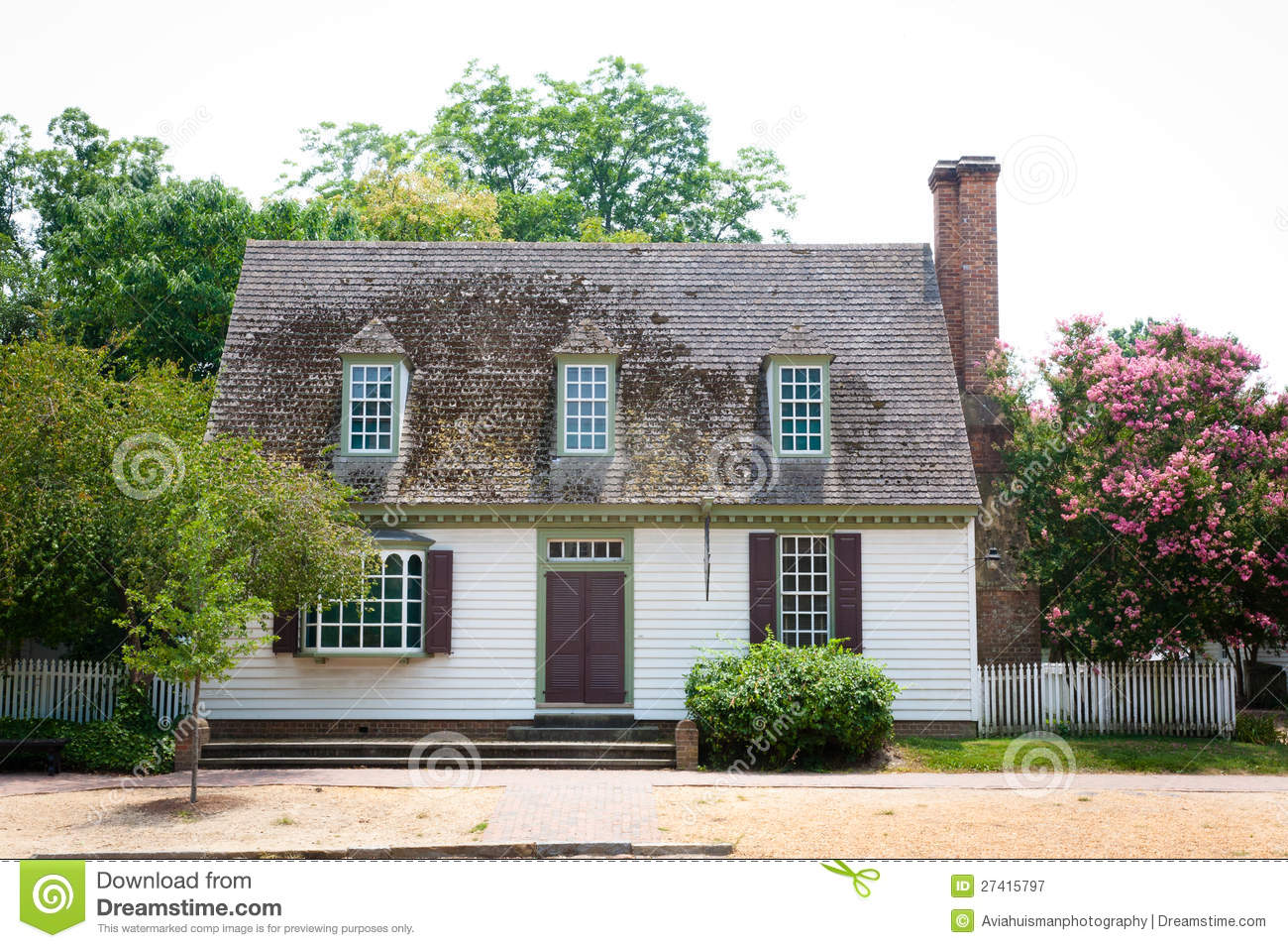 Colonial Cottage Stock Image Image Of Doors America