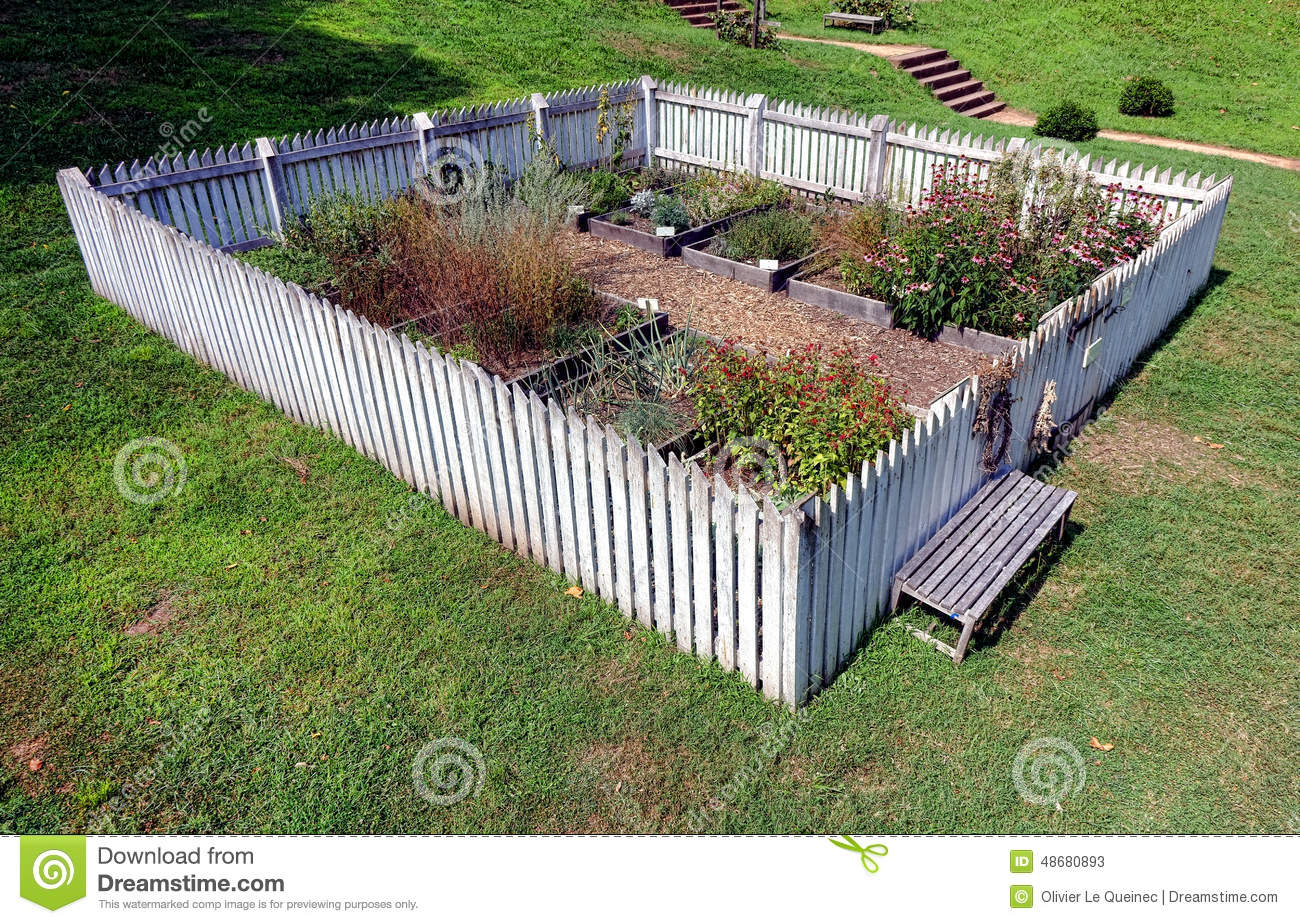 Raised vegetable gardens - Colonial Garden With Raised Vegetable Plant Beds Stock Photos