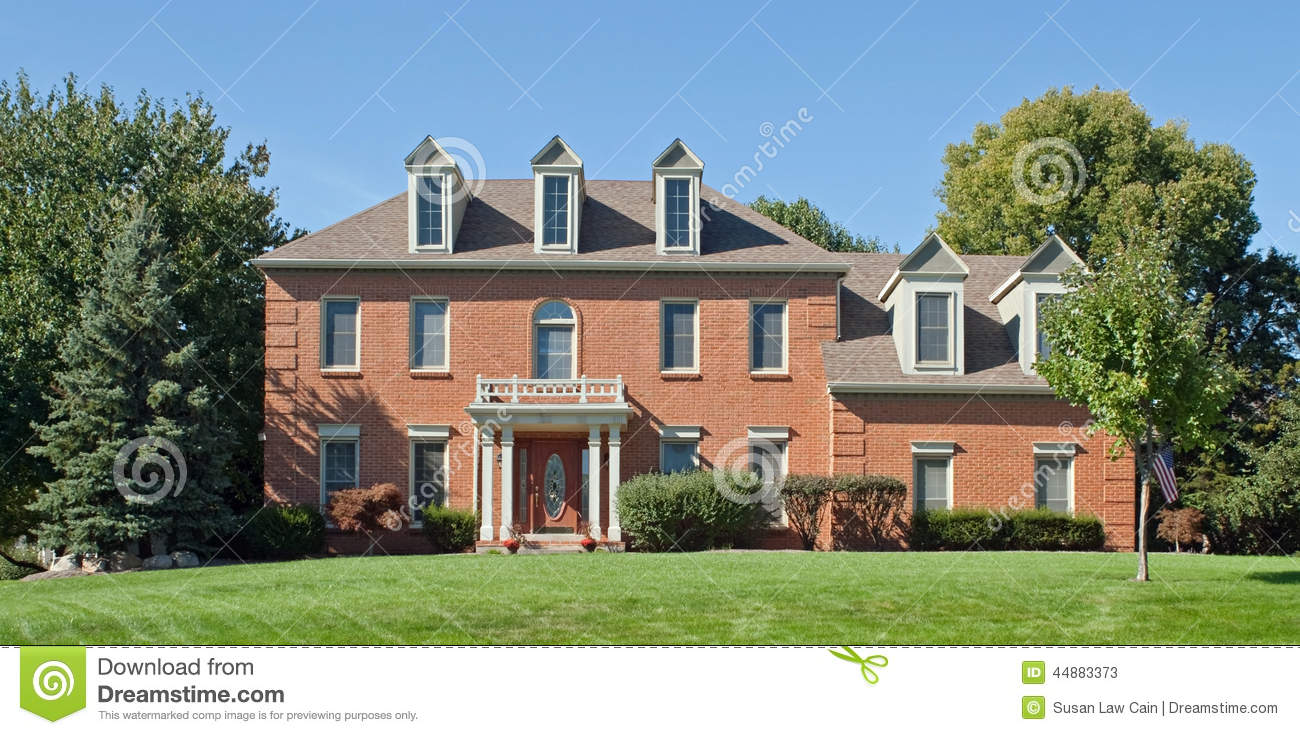 Colonial House Stock Photo Image 44883373