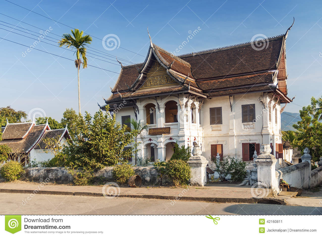 Colonial house in luang prabang in laos stock photo - Plan de maison coloniale ...