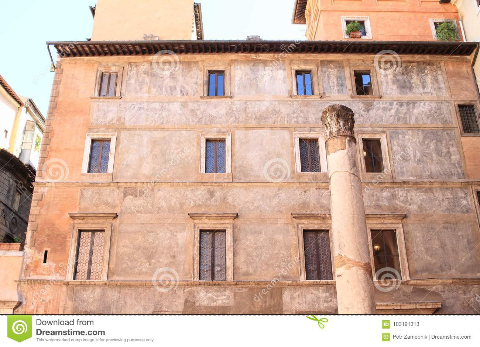 Colonna antica a Roma