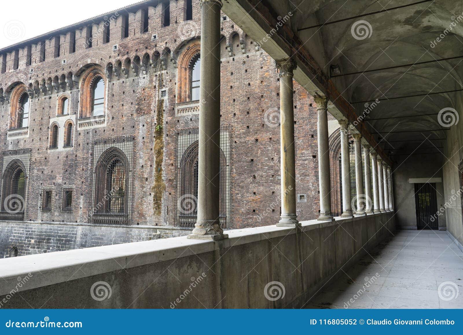 Colonnato di Castello Sforzesco a Milano