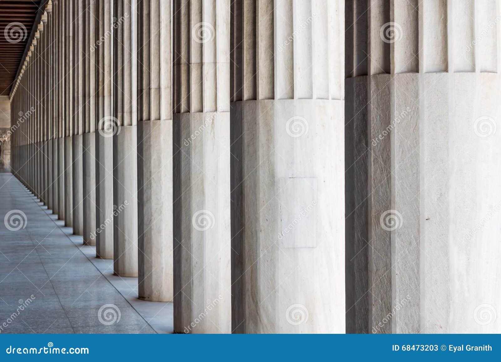 Colonne di pietra greche