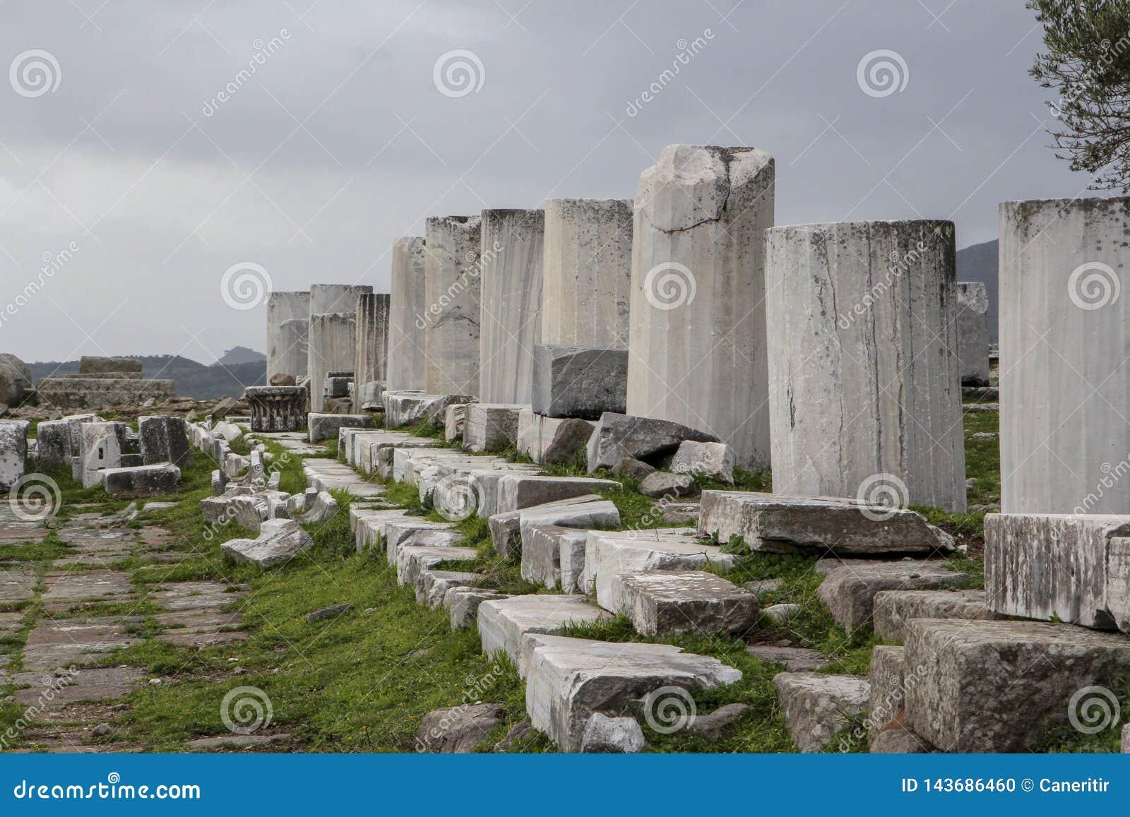 Colonne historique de château d Acropole de ville de Pergamon Acient
