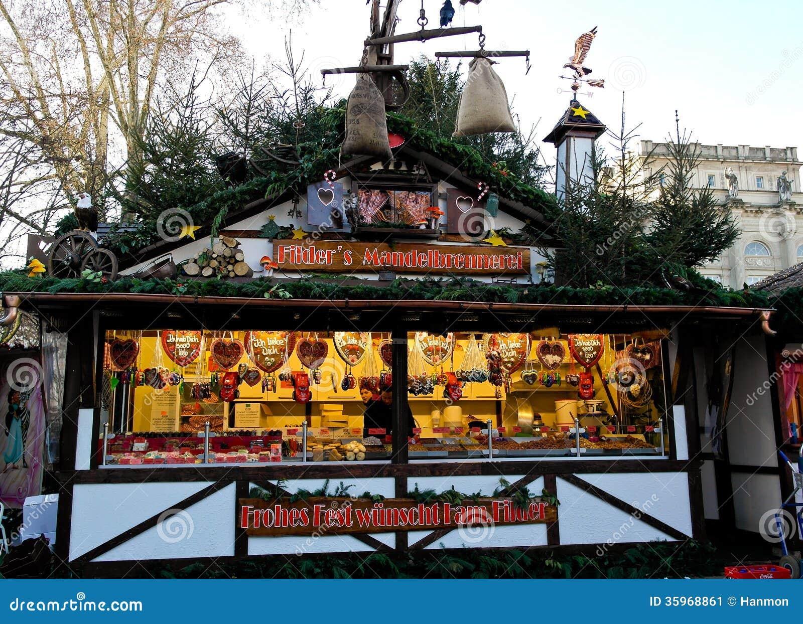 Coloqúese con el pan de jengibre y los dulces en la Navidad justa