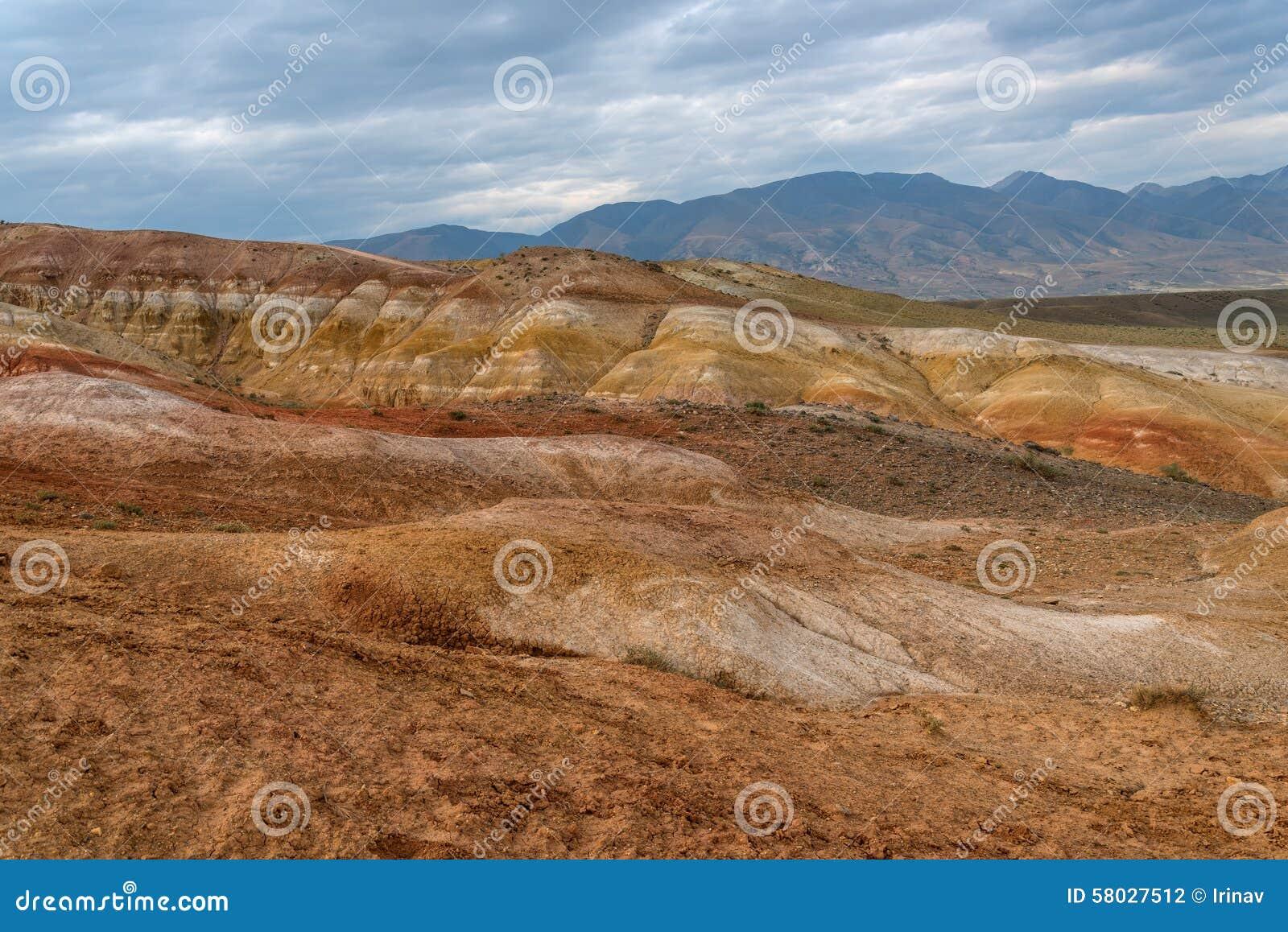 Color del desierto de la estepa de las monta as foto de archivo imagen de carretillas motley - Mas l estepa agullana ...
