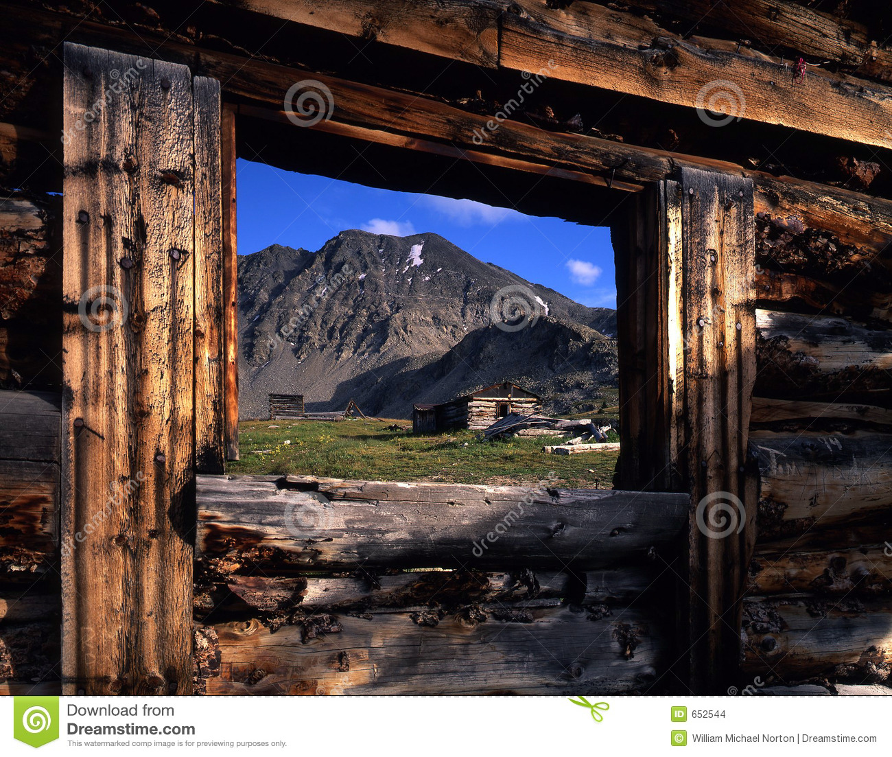 ... building with no roof located in Colorado's Arapaho National Forest