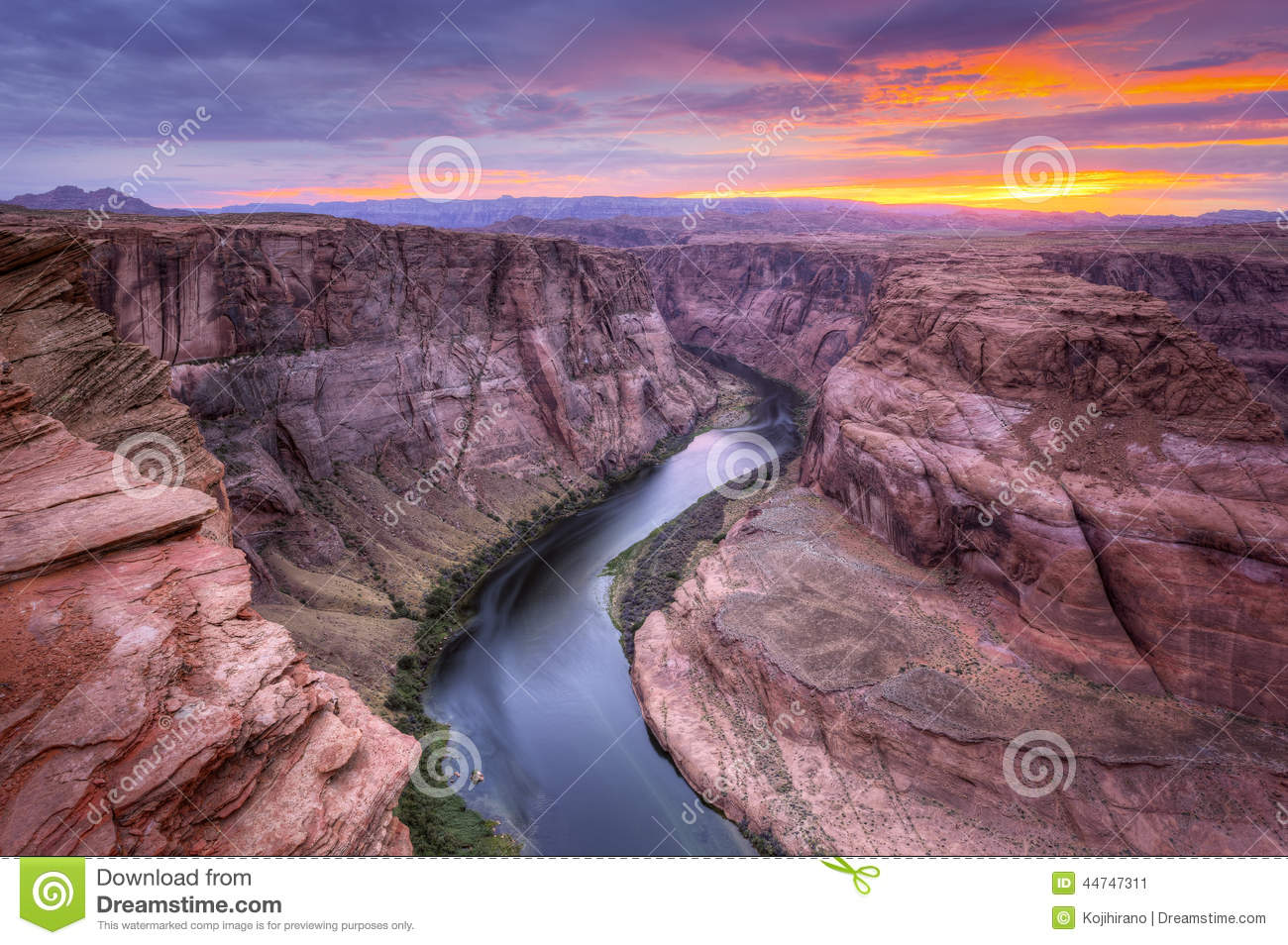 Colorado River, Horseshoe Bend at Sunset