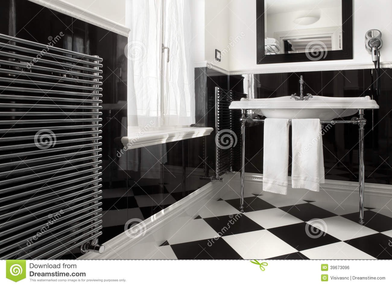 Colore in bianco e nero del bagno fotografia stock immagine di decorazione disegno 39673096 - Bagno bianco e nero ...