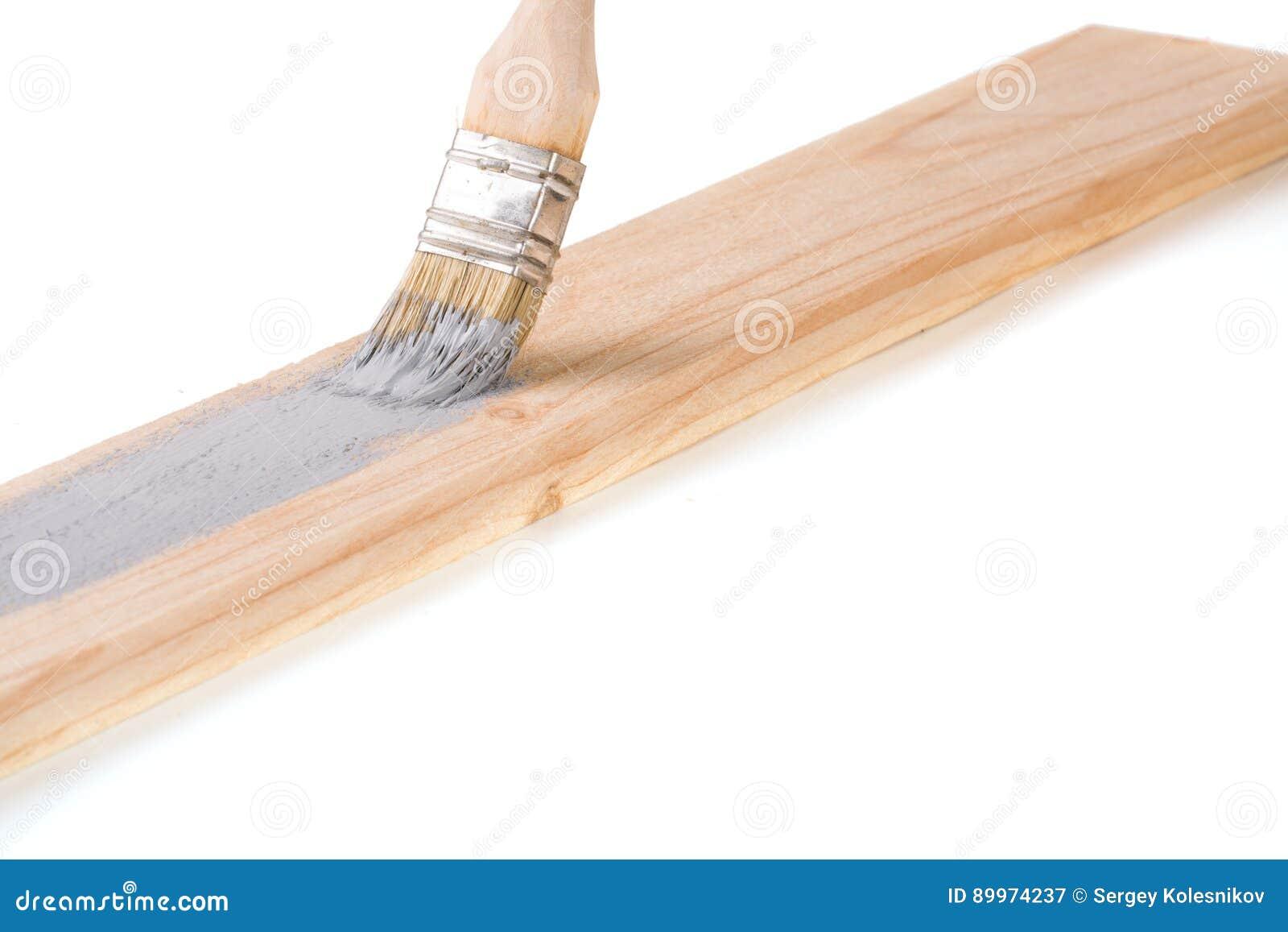 Verniciare legno bianco: verniciare le perline in legno di bianco