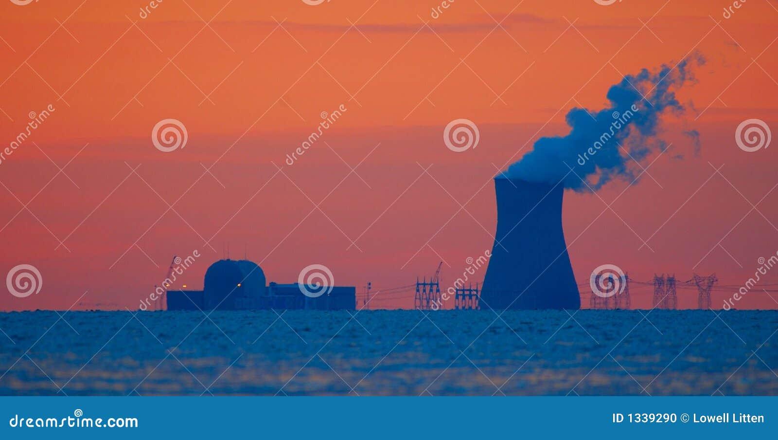 Colore rosso della centrale nucleare