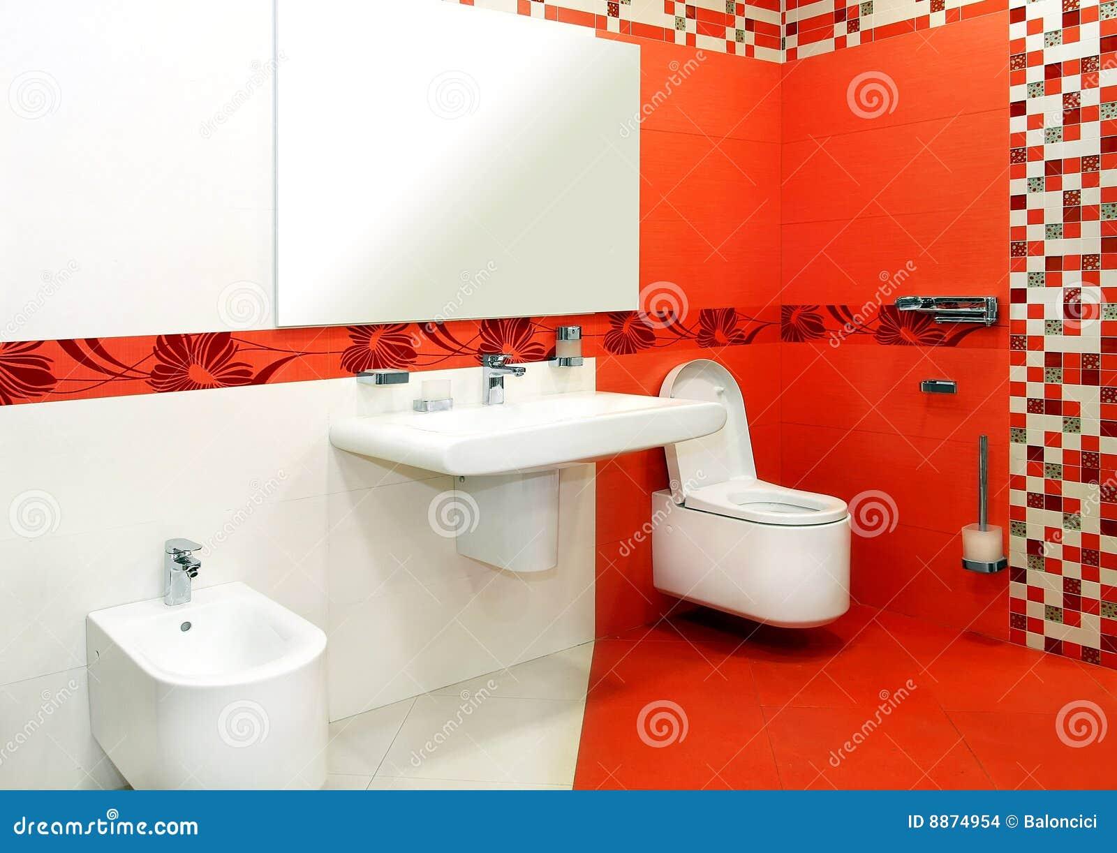 colore rosso della stanza da bagno