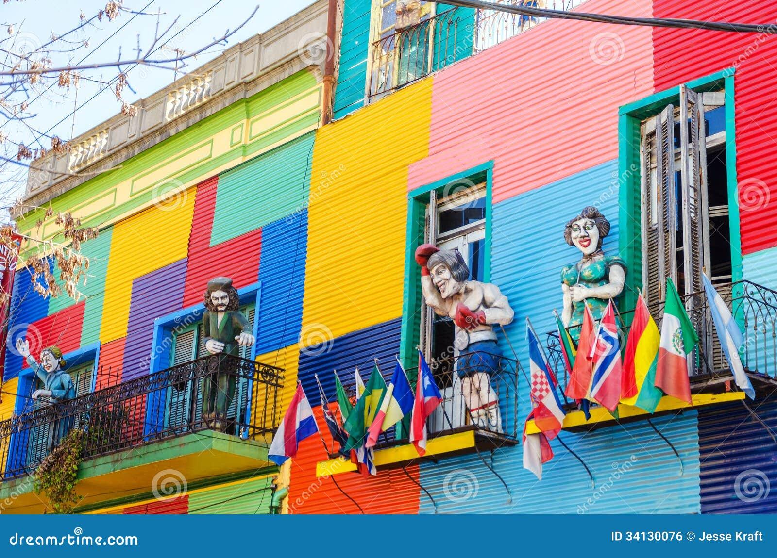 Colores y estatuas