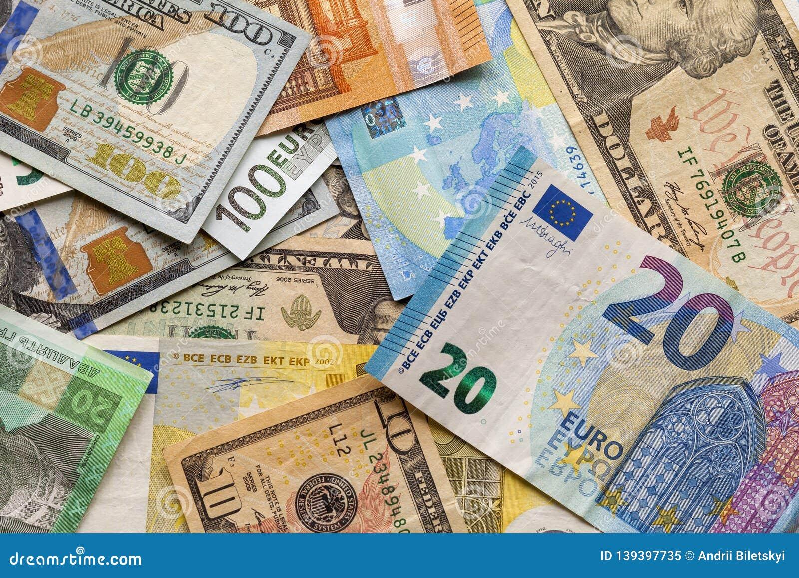 34 dollar in euro