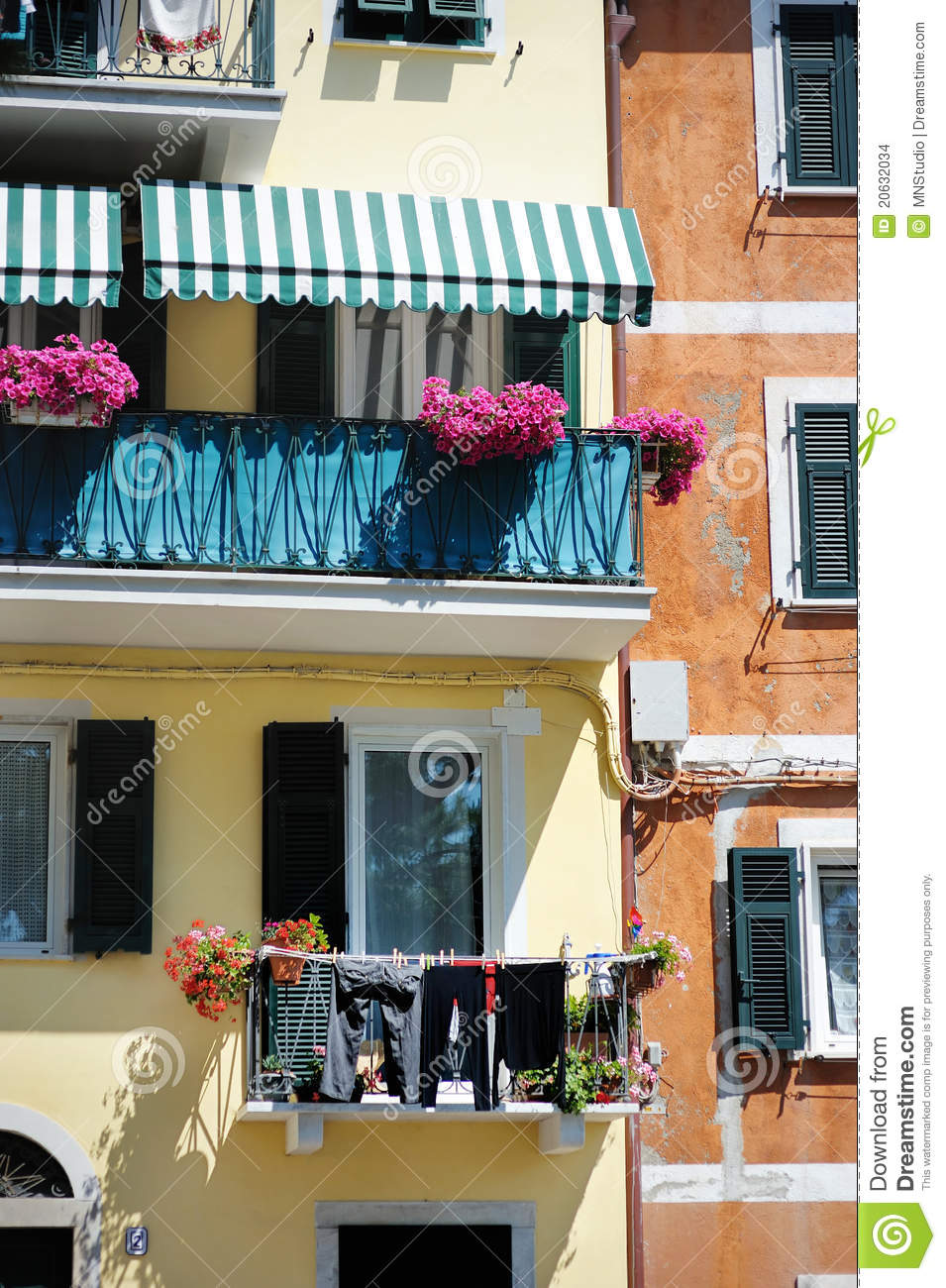 A colorful balcony in italy stock images image 20632034 for Balcony in italian