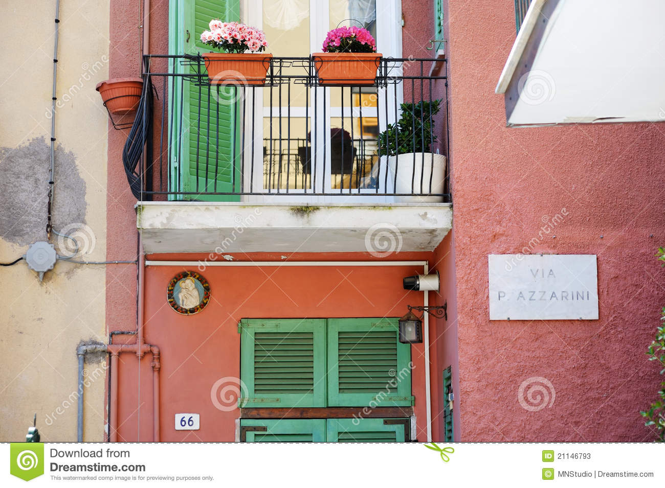 A colorful balcony in italy stock photos image 21146793 for Balcony in italian