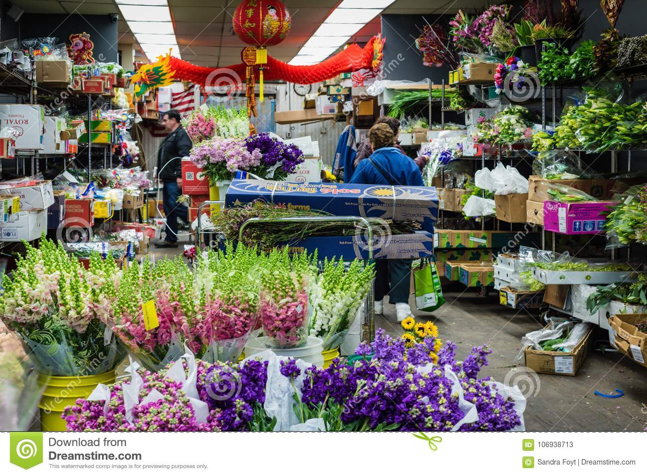 Shop In Chelsea Flower Market - New York, NY Editorial Stock Photo