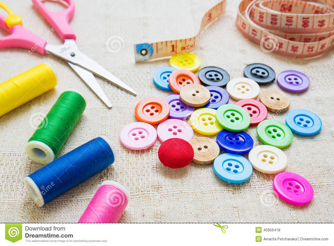 Craft Ideas With Vintage Buttons
