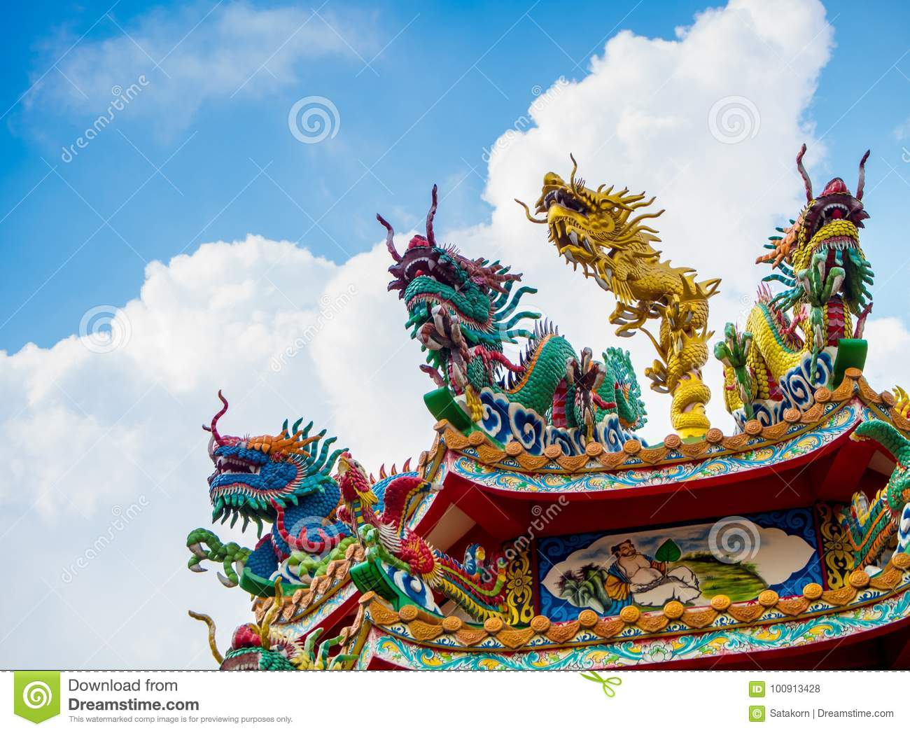 Download Colorful Chinese Dragon And Swan Sculpture On The Rooftops Of Ch Stock Photo - Image of heaven, pillar: 100913428