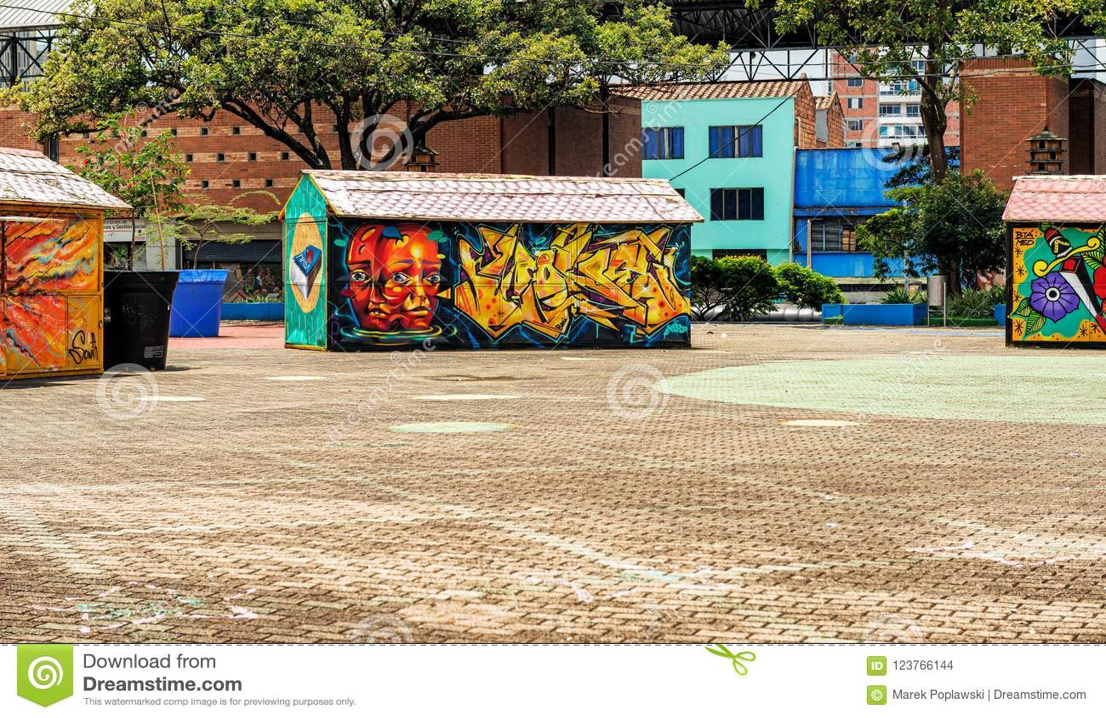 Colorful graffities on merchants' stalls in San Antonio Park i