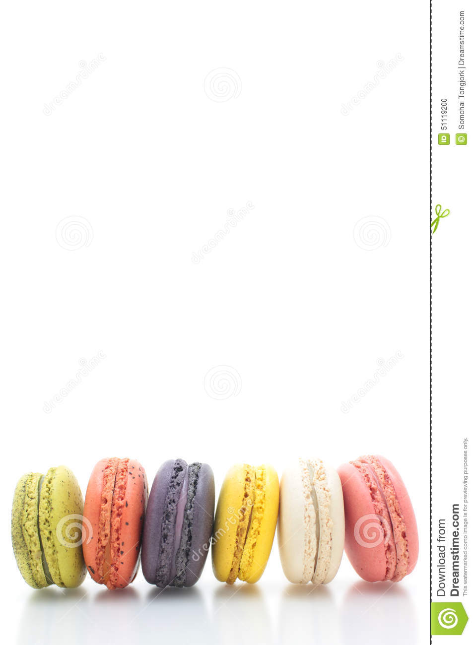 How to Make Violet Macarons How to Make Violet Macarons new photo