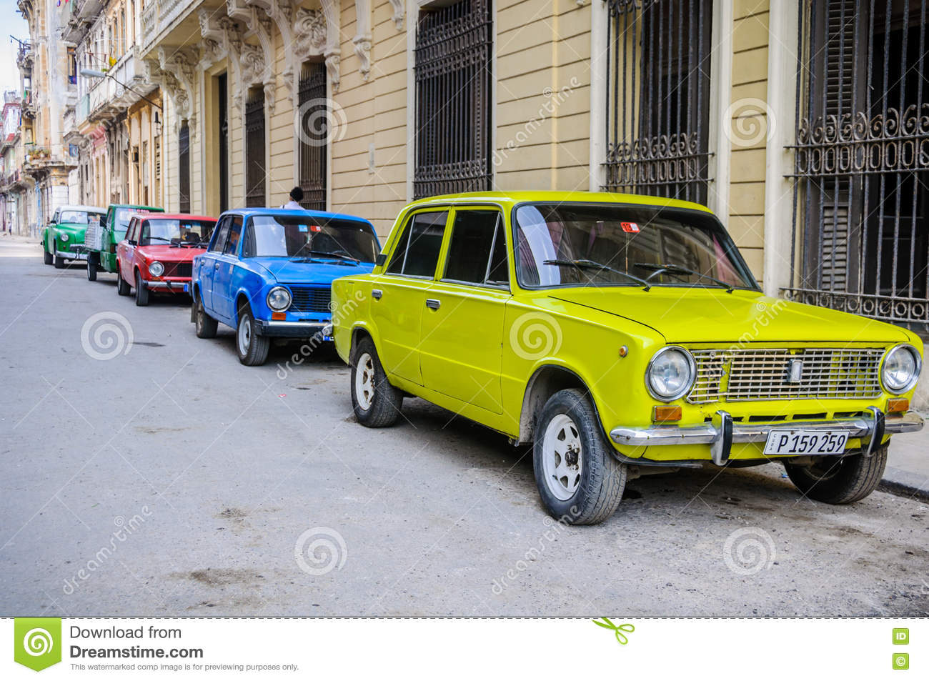 Colorful Old Cars In Havana, Cuba Editorial Stock Photo - Image of ...