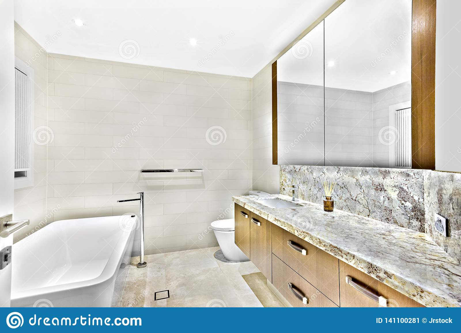 Colorful Wash Room With Bath Tub And Mirrors Stock Image Image Of Contemporary Ceiling 141100281