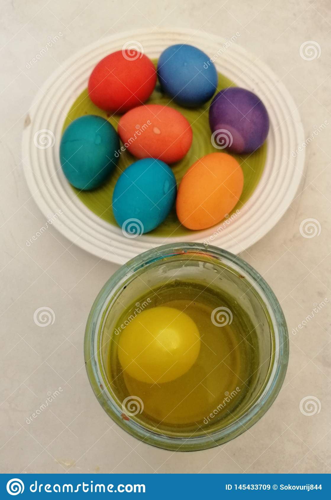 Coloring of Easter eggs