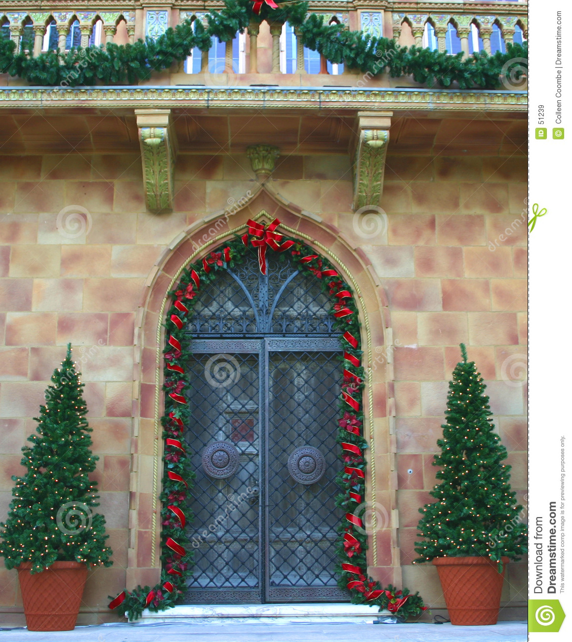 Colors entrance holiday