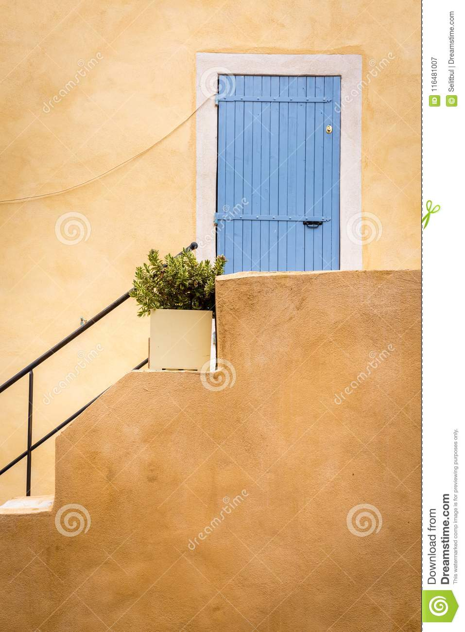Couleurs Facades En Provence colors of provence stock image. image of colors, shutter