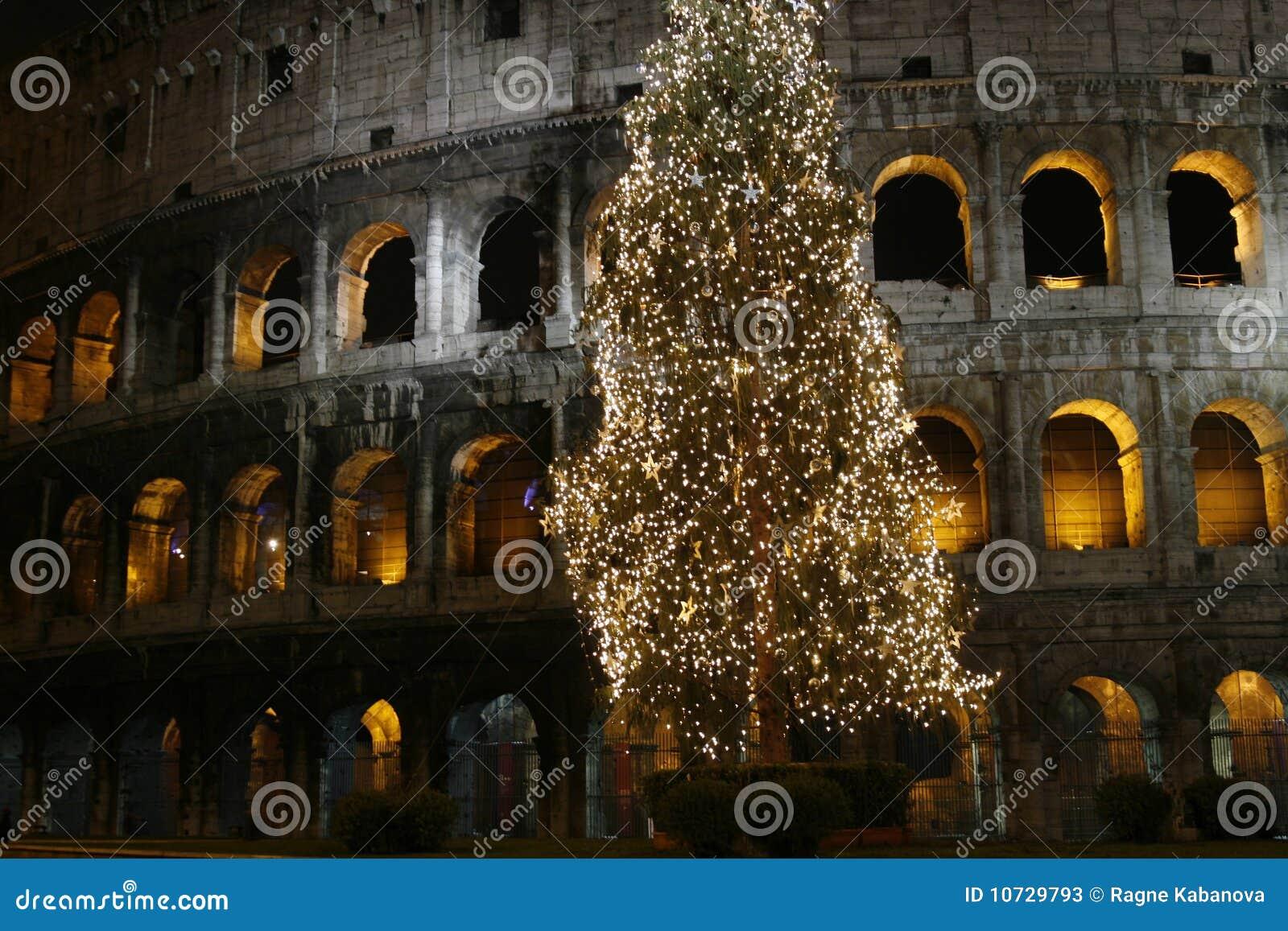Colosseo Am Weihnachten (Rom, Ita Stockbild - Bild von torbogen ...
