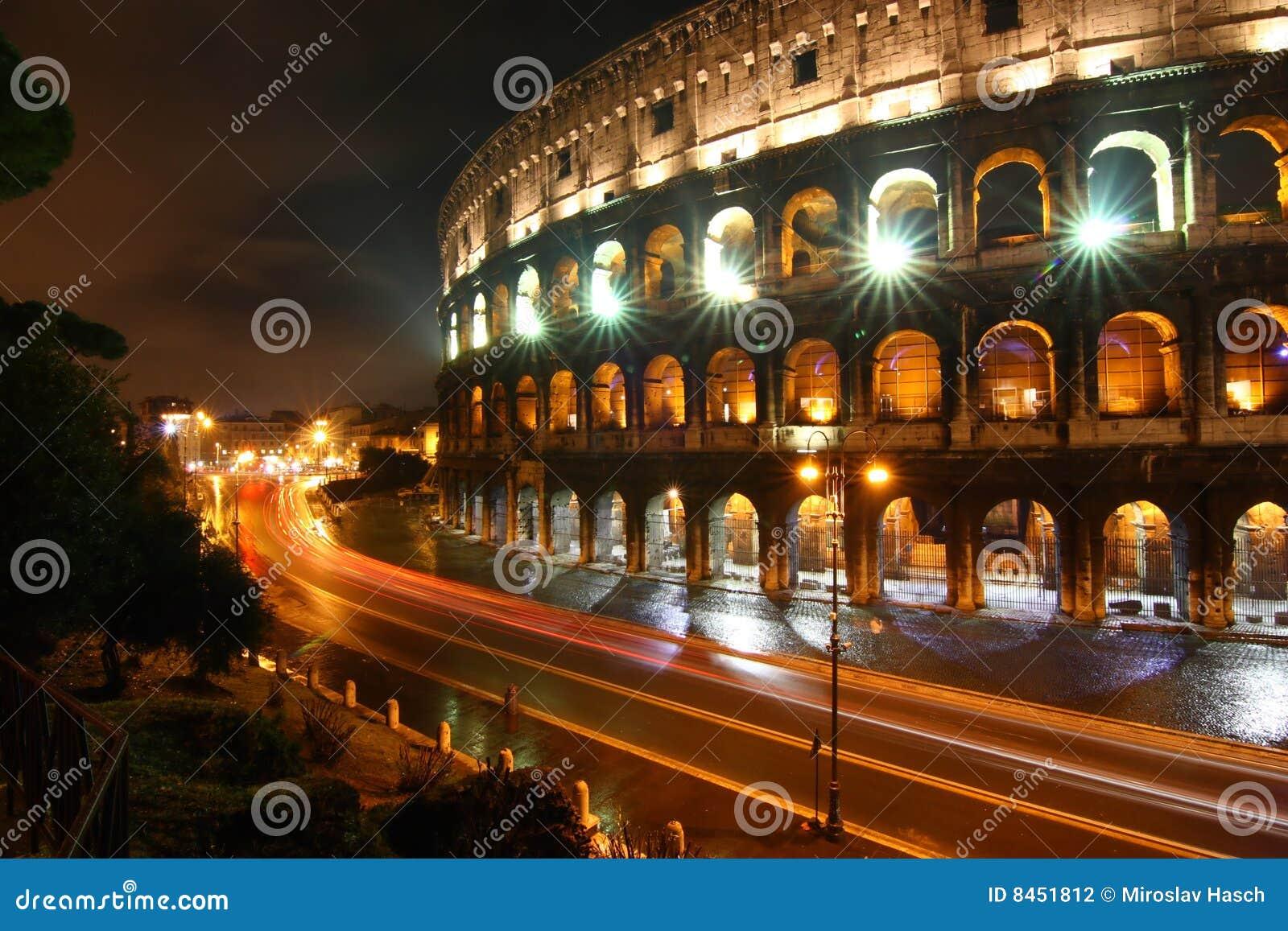 Colosseonatt rome