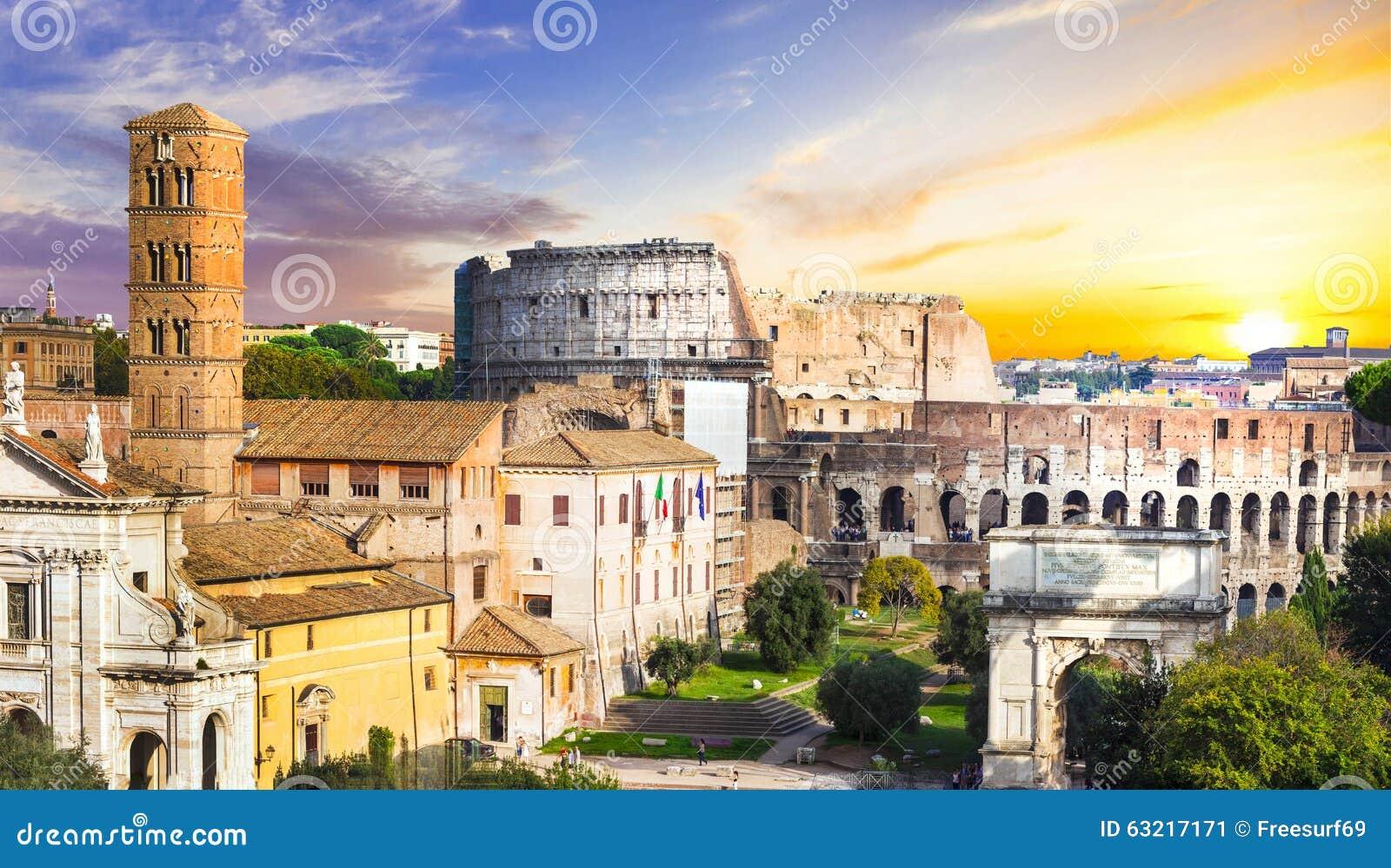 Colosseum över solnedgång