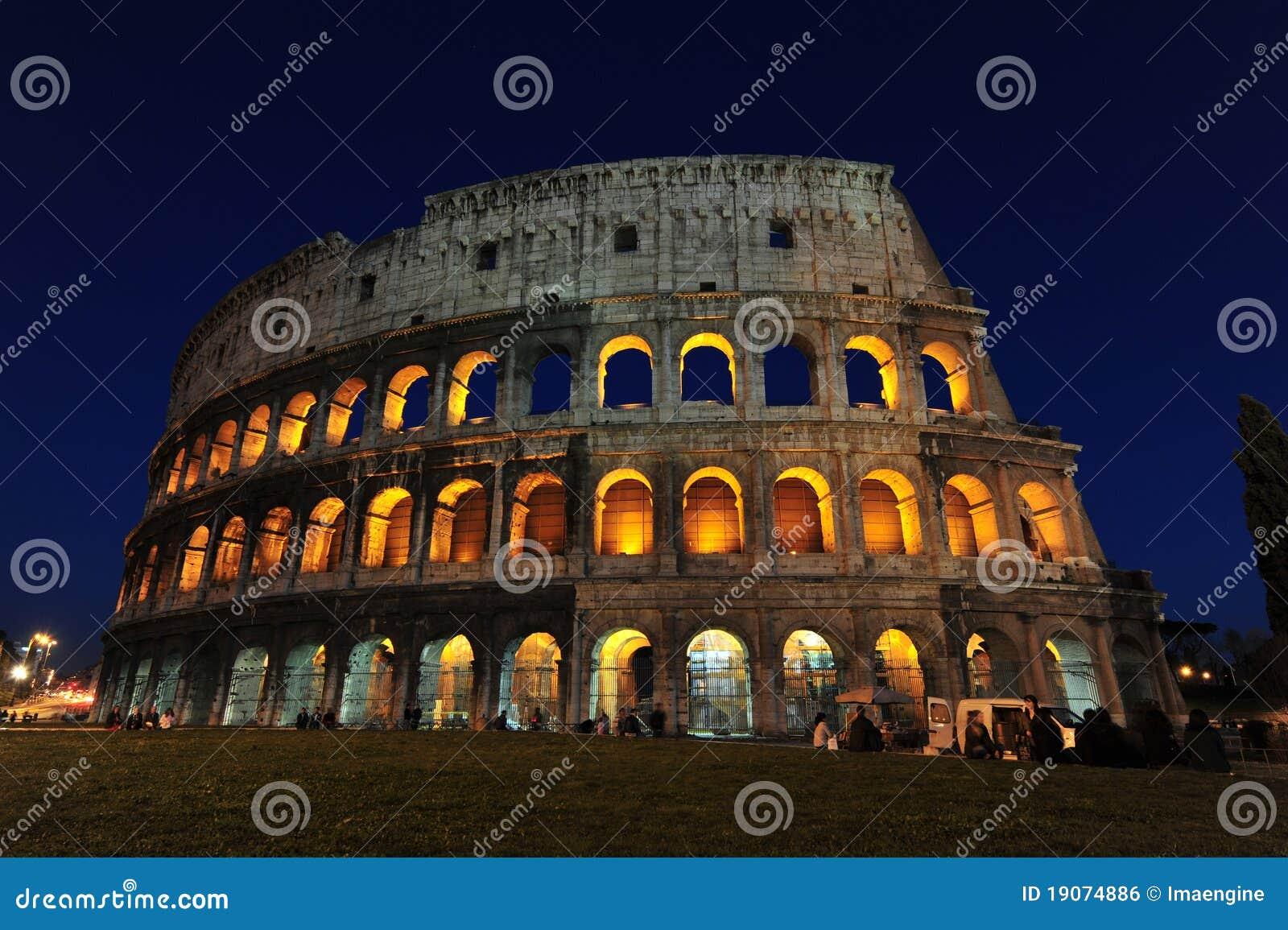 The colosseum - Magic nights in Rome