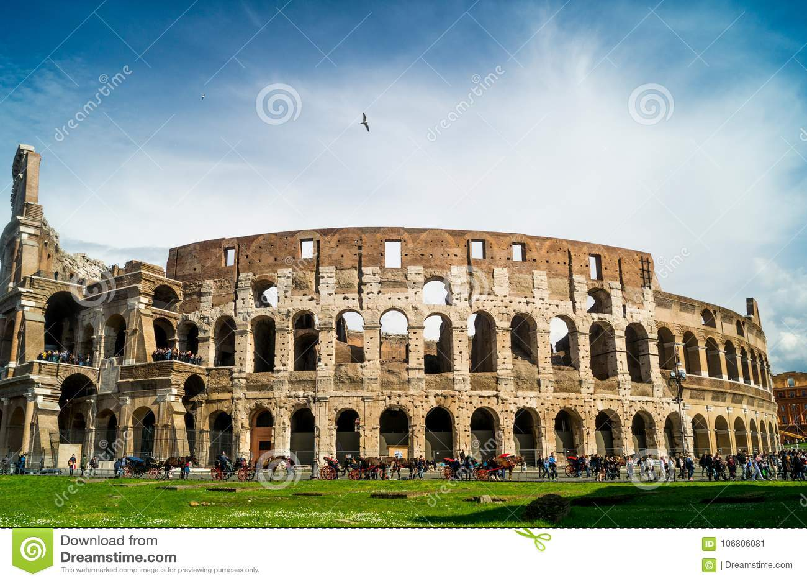 Colosseum no dia em Roma