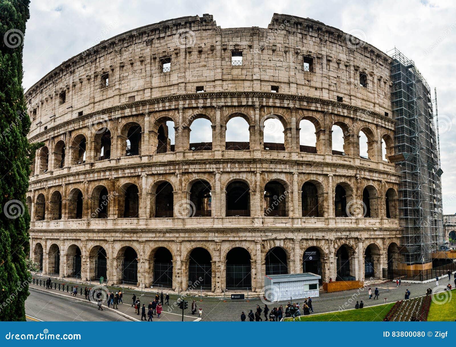 Colosseum ou Flavian Amphitheatre em Roma, Itália