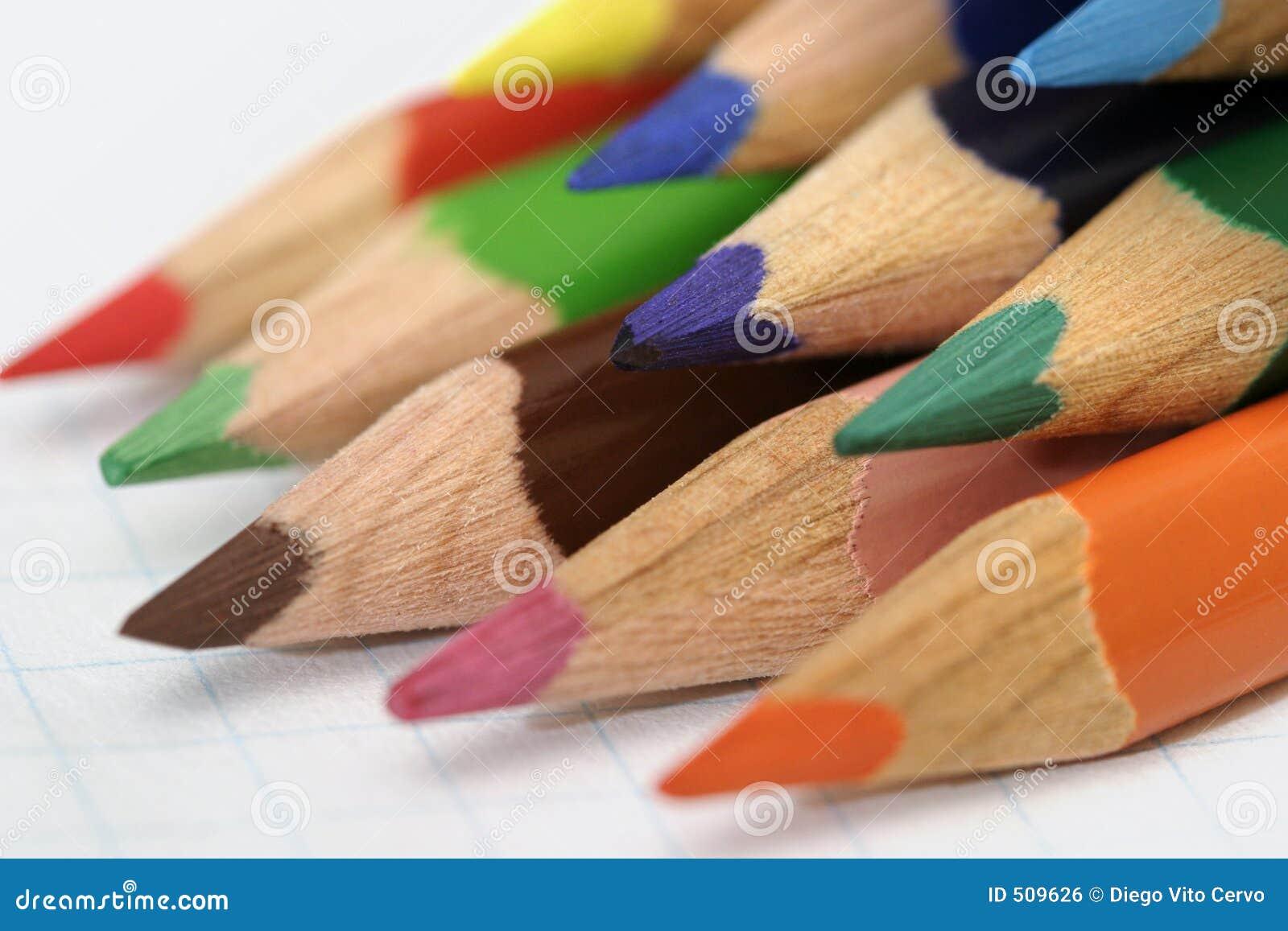 Coloured-pencils-02