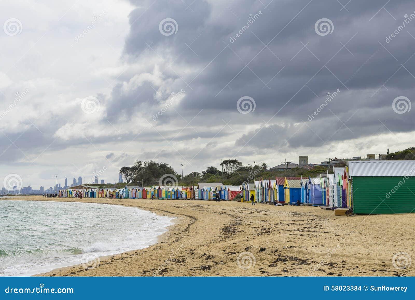 Colourful kąpanie domy przy Dendy ulicy plażą, Brighton w Melbourne
