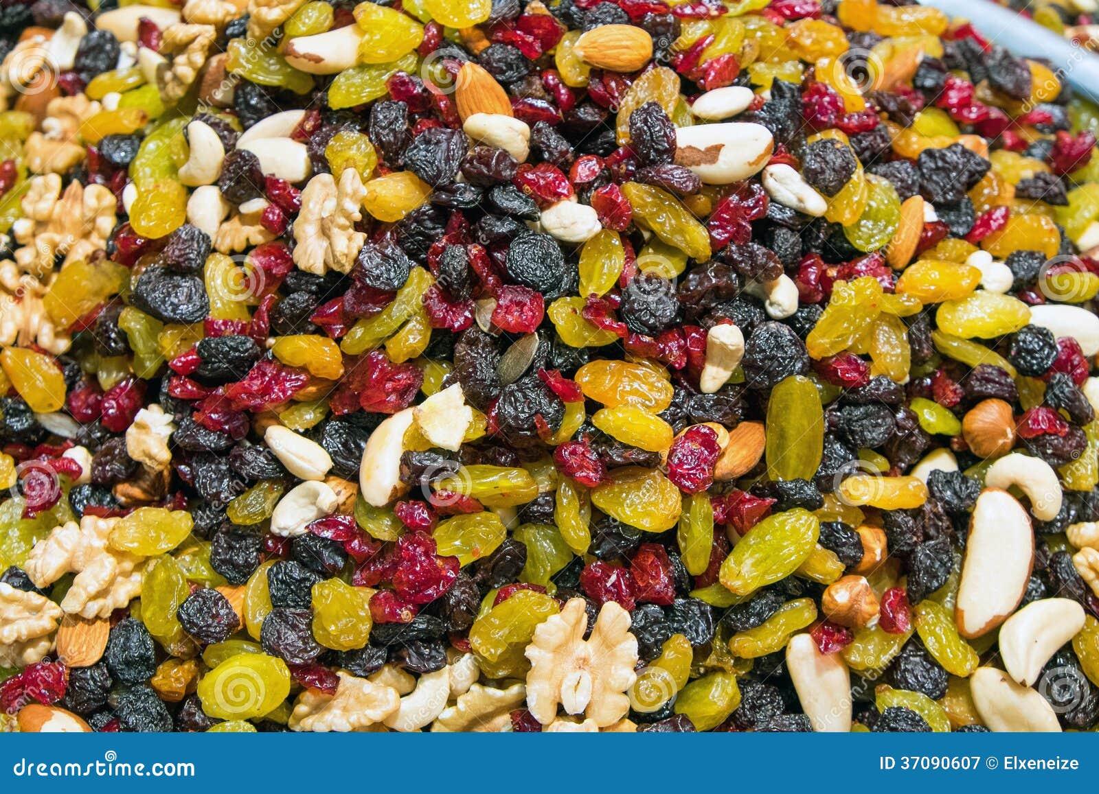 Download Colourful wysuszone owoc obraz stock. Obraz złożonej z przekąska - 37090607