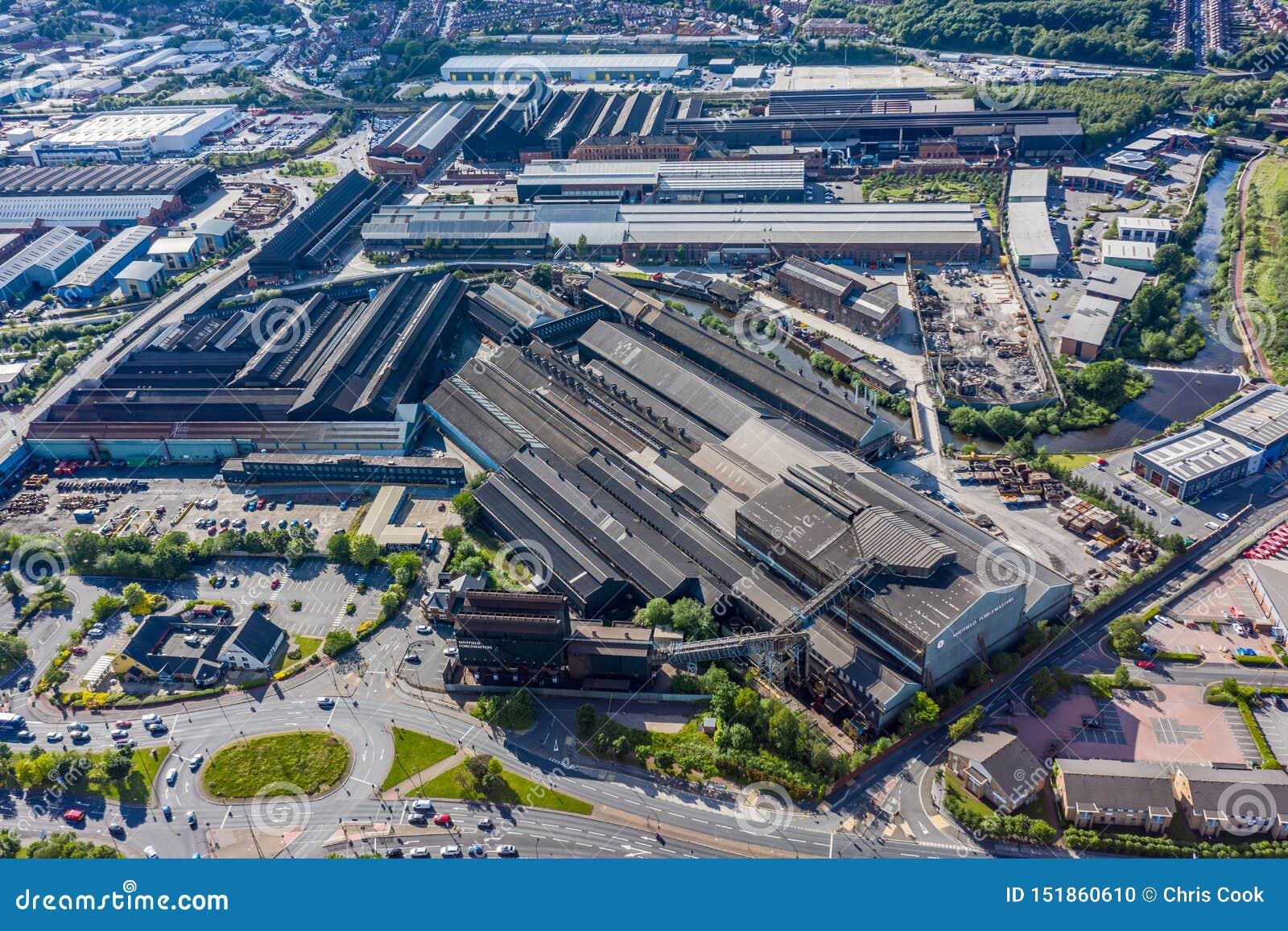 Colpo aereo della forgia di Forgemasters a Sheffield, casa di più grande produzione d acciaio nel Regno Unito