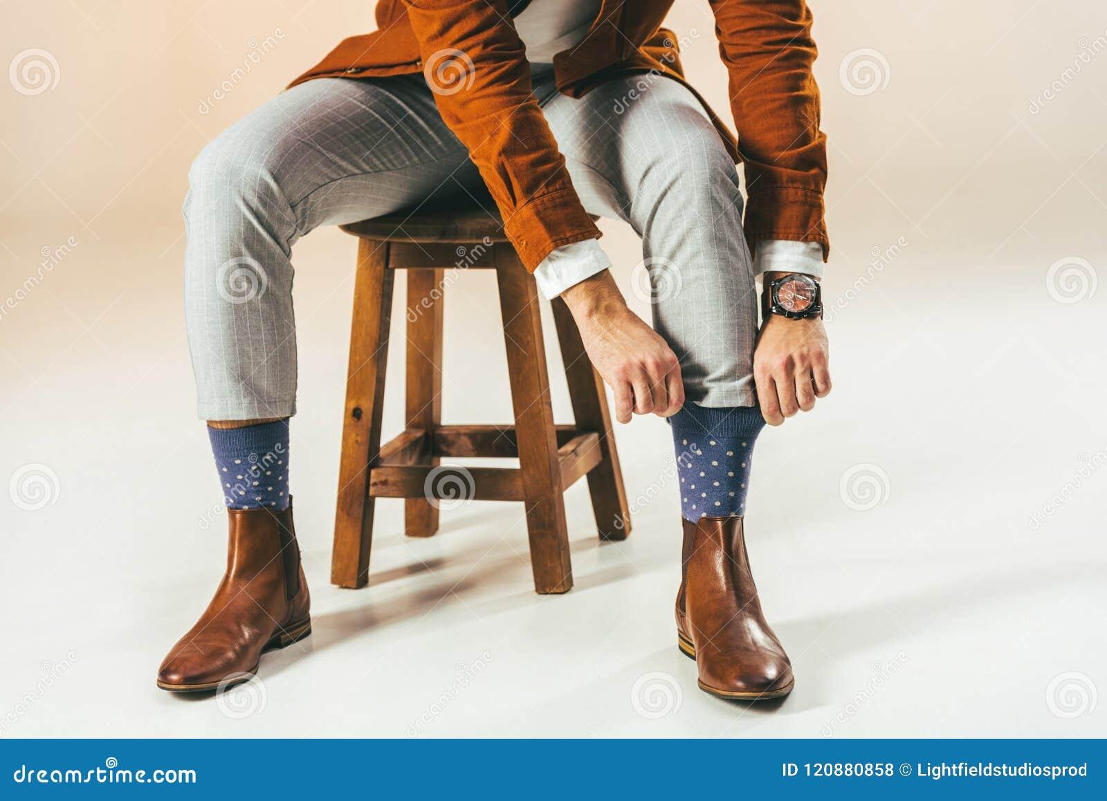 Colpo potato dell uomo alla moda