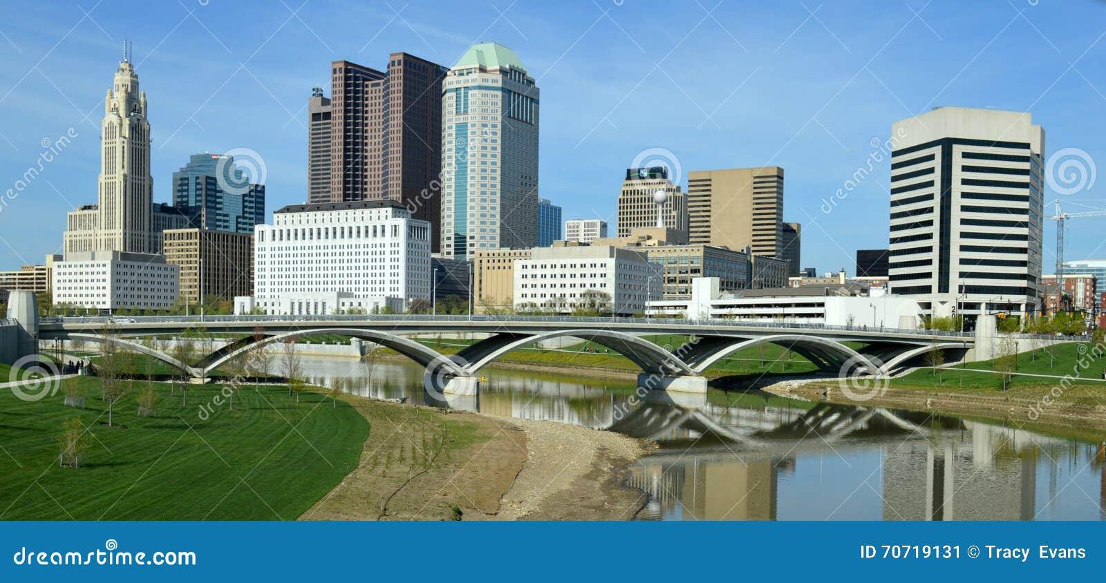 Columbus Ohio Skyline Rich Street-Brug de van de binnenstad