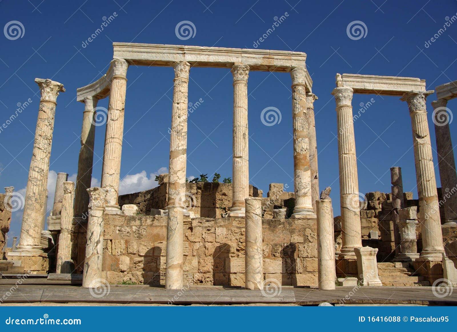 lo que significa ser onironauta Columnas-romanas-libia-16416088